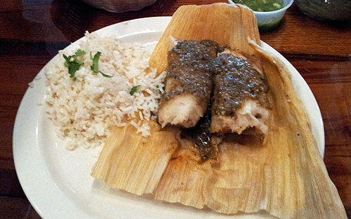 Chicken tamales with verde sauce